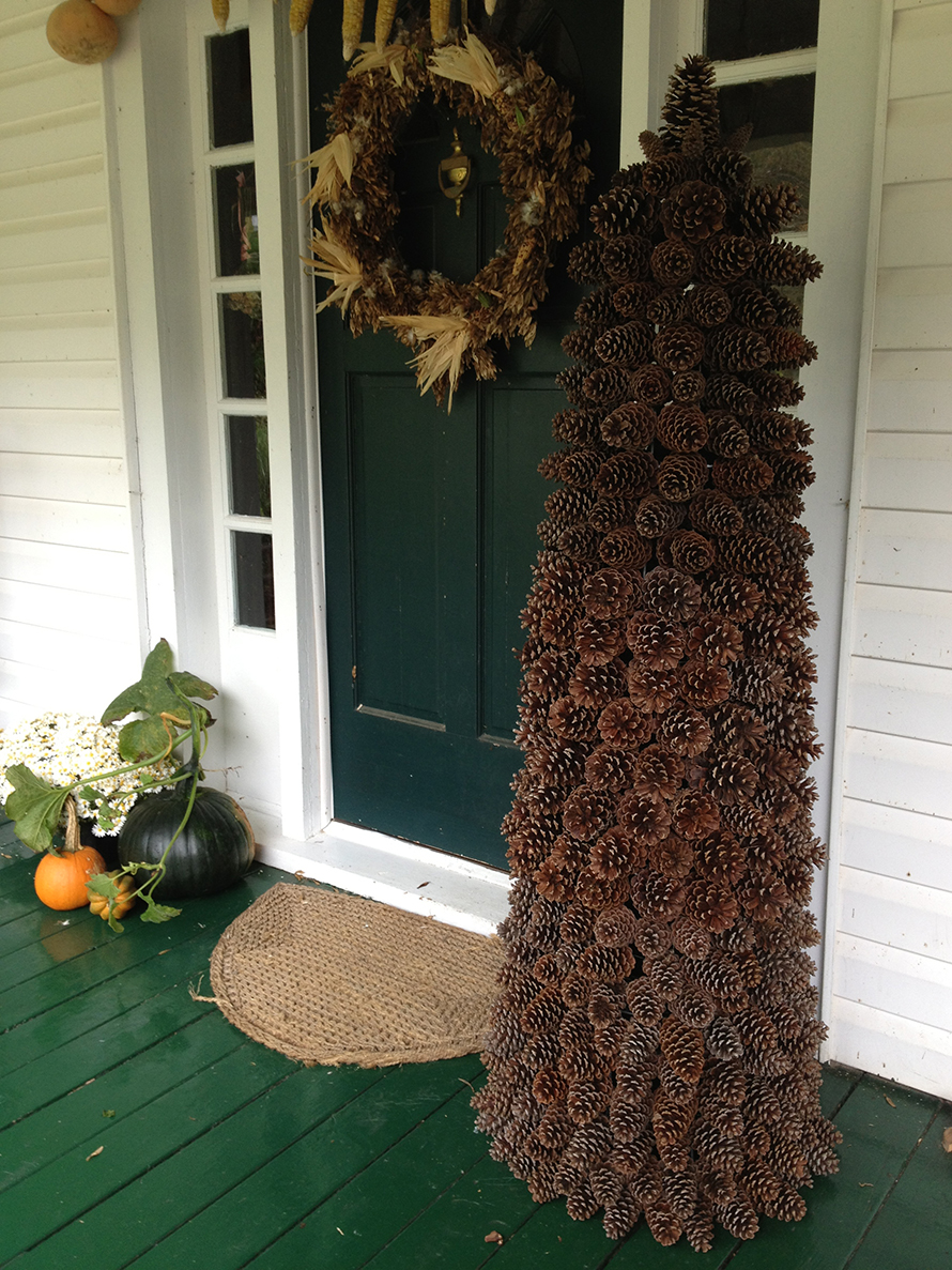 Dale made this beautiful pine cone tree for me! We're putting lights on it tonight!