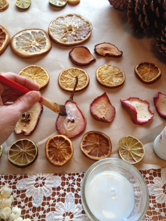 http://sharonglasgow.com/2012/12/making-dried-fruit-christmas-ornaments/